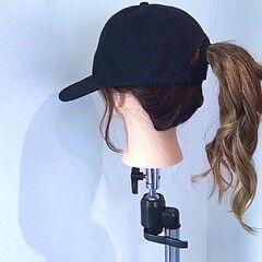キャップ アウトドア ヘアアレンジ ナチュラル ヘアスタイルや髪型の写真・画像