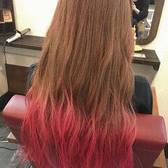 ロング ストリート ピンク グラデーションカラー ヘアスタイルや髪型の写真・画像