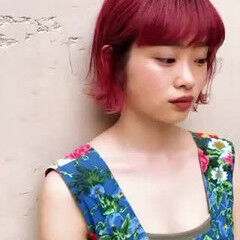 ブリーチカラー デザインカラー オン眉 ハイトーンボブ ヘアスタイルや髪型の写真・画像