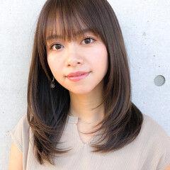 小顔 コンサバ レイヤー レイヤーカット ヘアスタイルや髪型の写真・画像