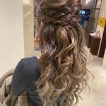 ロング 巻き髪 結婚式ヘアアレンジ ハーフアップ