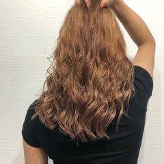 波巻き ストリート ミルクティーベージュ ミルクティーブラウン ヘアスタイルや髪型の写真・画像