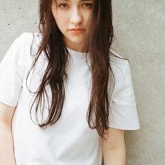 アンニュイほつれヘア ミルクティーベージュ ナチュラル 色気 ヘアスタイルや髪型の写真・画像