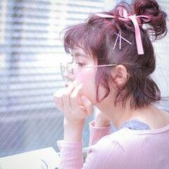 ヘアアレンジ コーラル メッシーバン ピンク ヘアスタイルや髪型の写真・画像