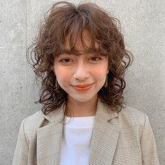 外国人風パーマ ウルフカット スパイラルパーマ ミディアム ヘアスタイルや髪型の写真・画像