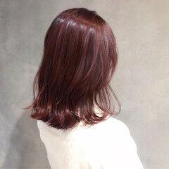 ナチュラル うる艶カラー ピンク 大人女子 ヘアスタイルや髪型の写真・画像