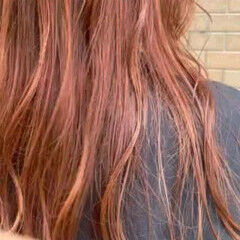 レイヤーロングヘア オレンジカラー モード オレンジ ヘアスタイルや髪型の写真・画像