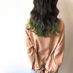 ダークグレー ガーリー 裾カラー 波巻き ヘアスタイルや髪型の写真・画像
