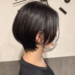 ショートボブ 前下がりヘア フェミニン ショート ヘアスタイルや髪型の写真・画像