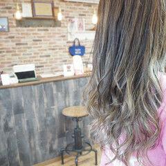 モード N.オイル ロング グレージュ ヘアスタイルや髪型の写真・画像