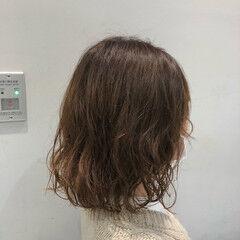 デジタルパーマ 透明感カラー ブラウンベージュ ゆるふわパーマ ヘアスタイルや髪型の写真・画像