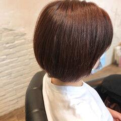 前下がりボブ モーブ ショートヘア ラベンダーピンク ヘアスタイルや髪型の写真・画像