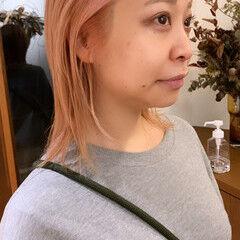コーラル アプリコットオレンジ コーラルピンク レイヤーカット ヘアスタイルや髪型の写真・画像