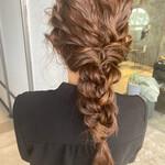 アップスタイル 韓国ヘア ロープ編みアレンジヘア フェミニン
