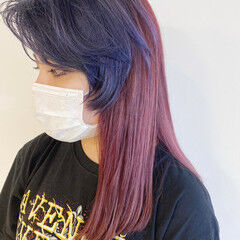 ロング ブリーチ必須 ツートンカラー チェリーレッド ヘアスタイルや髪型の写真・画像