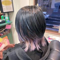 ウルフカット 暗髪 インナーカラーパープル ショート ヘアスタイルや髪型の写真・画像