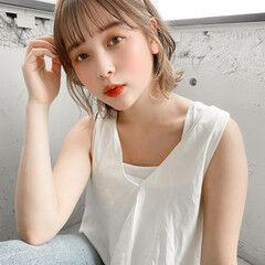 ミディアム 簡単ヘアアレンジ カチューシャ セルフヘアアレンジ ヘアスタイルや髪型の写真・画像