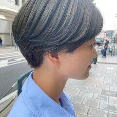 ショートボブ ハンサムショート アッシュベージュ ナチュラル ヘアスタイルや髪型の写真・画像
