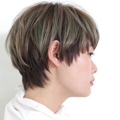 インナーカラー 外国人風 ショート ナチュラル ヘアスタイルや髪型の写真・画像