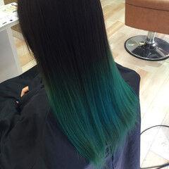 ビビッドカラー グリーン グラデーションカラー ロング ヘアスタイルや髪型の写真・画像