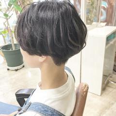 ショートヘア ナチュラル ショート ハンサムボブ ヘアスタイルや髪型の写真・画像
