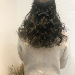ヘアセット ハーフアップ フェミニン 編み込みヘア ヘアスタイルや髪型の写真・画像