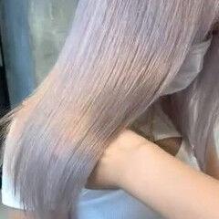 ホワイトブリーチ プラチナブロンド ホワイトカラー ホワイトベージュ ヘアスタイルや髪型の写真・画像