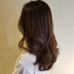 トリートメント ロング アンニュイほつれヘア エレガント ヘアスタイルや髪型の写真・画像