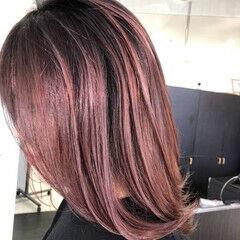 ミルクティーベージュ バレイヤージュ エレガント イルミナカラー ヘアスタイルや髪型の写真・画像