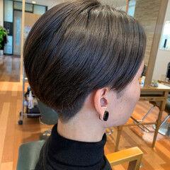 センター分け 縮毛矯正 刈り上げ センターパート ヘアスタイルや髪型の写真・画像
