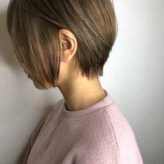 ショートヘア グレージュ 大人ショート アッシュ ヘアスタイルや髪型の写真・画像