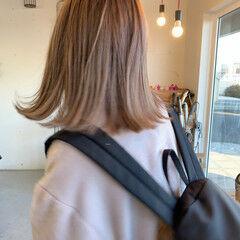 ダブルカラー 大人カジュアル ナチュラル アンニュイほつれヘア ヘアスタイルや髪型の写真・画像