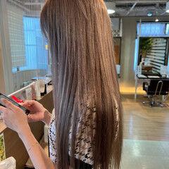 ロング ブルーアッシュ スライシングハイライト ホワイトハイライト ヘアスタイルや髪型の写真・画像