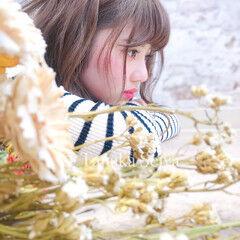 セミロング 簡単ヘアアレンジ フェミニン 撮影 ヘアスタイルや髪型の写真・画像