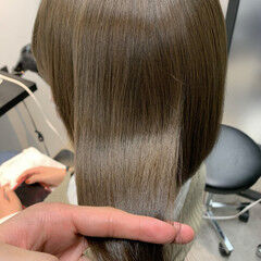オリーブアッシュ ブリーチなし オリーブベージュ ナチュラル ヘアスタイルや髪型の写真・画像