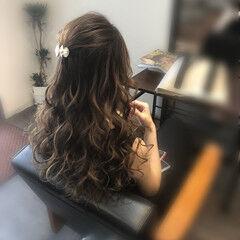 ヘアセット セミロング ハーフアップ 前髪アレンジ ヘアスタイルや髪型の写真・画像