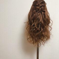 編み込み ヘアセット 編み込みヘア ハーフアップ ヘアスタイルや髪型の写真・画像