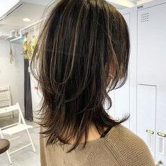 極細ハイライト 大人ハイライト 3Dハイライト ミディアム ヘアスタイルや髪型の写真・画像