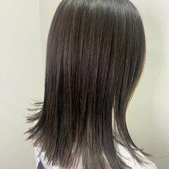 ラベージュ ストリート ミディアム ハイライト ヘアスタイルや髪型の写真・画像