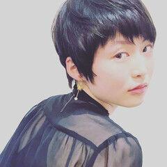 マッシュショート フェザーバング ショート 黒髪 ヘアスタイルや髪型の写真・画像