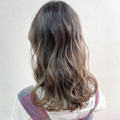 ピンクグレージュ ロング フェミニン ラベンダーグレージュ ヘアスタイルや髪型の写真・画像