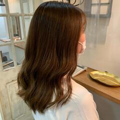 ロング 極細ハイライト ブリーチ ナチュラル ヘアスタイルや髪型の写真・画像