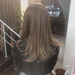 グラデーションカラー セミロング イルミナカラー ナチュラル ヘアスタイルや髪型の写真・画像