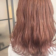 ガーリー セミロング アプリコットオレンジ オレンジカラー ヘアスタイルや髪型の写真・画像