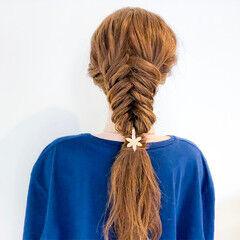 フィッシュボーン フェミニン 簡単ヘアアレンジ ヘアアレンジ ヘアスタイルや髪型の写真・画像
