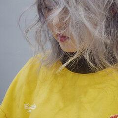 ホワイト ホワイトグラデーション ホワイトベージュ ストリート ヘアスタイルや髪型の写真・画像