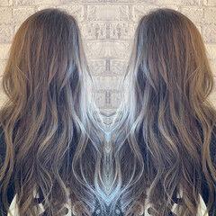 アッシュグレージュ モード アッシュグレー グレーアッシュ ヘアスタイルや髪型の写真・画像