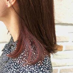 コーラルピンク アンニュイほつれヘア セミロング ナチュラル ヘアスタイルや髪型の写真・画像