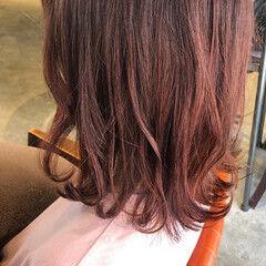 ミディアム ブラットオレンジ オレンジ オレンジベージュ ヘアスタイルや髪型の写真・画像