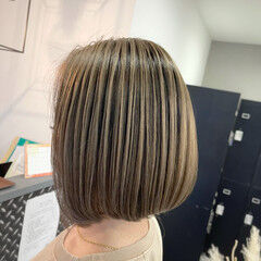 ベージュ 艶髪 外国人風カラー ストリート ヘアスタイルや髪型の写真・画像